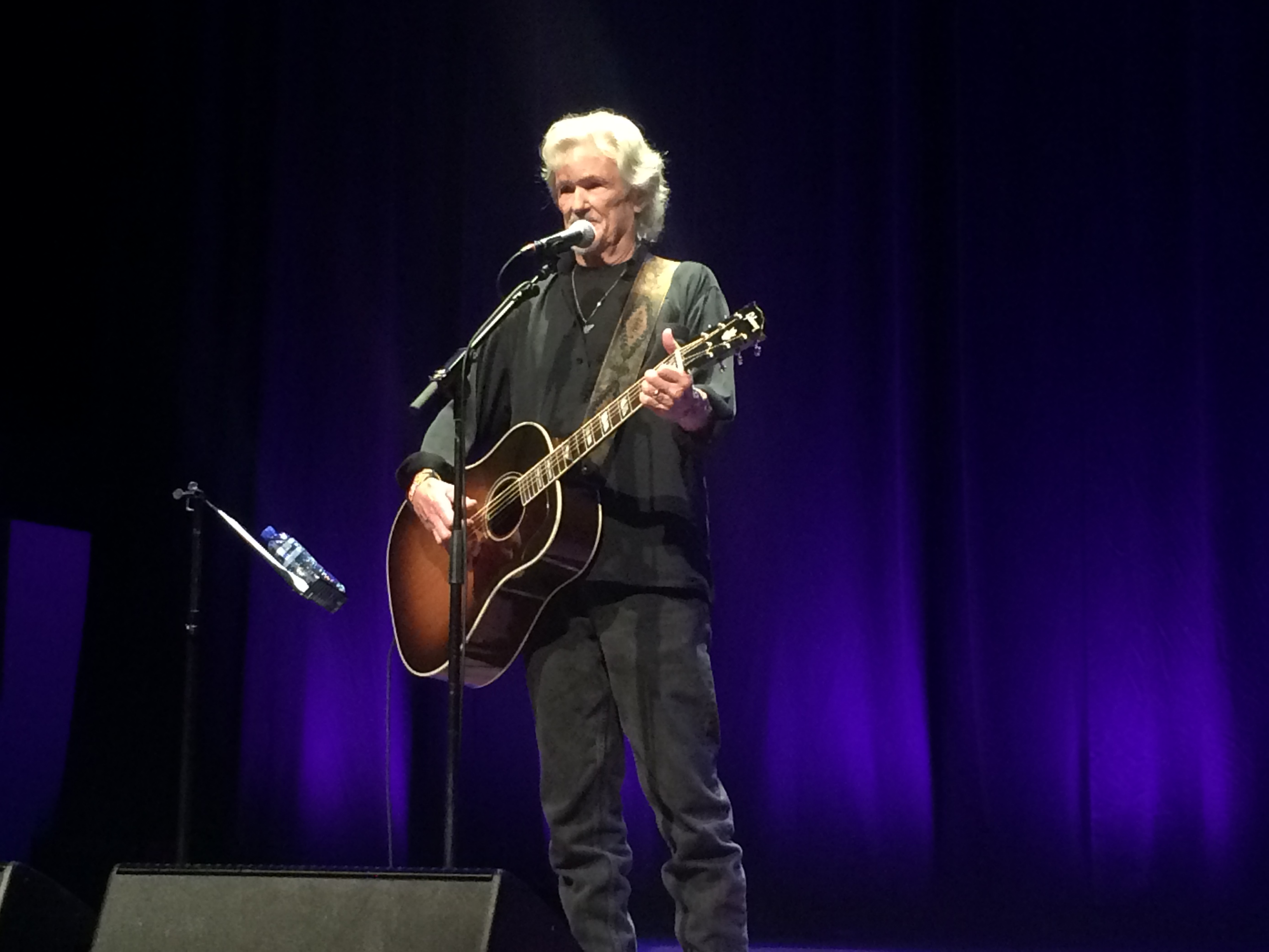 Concertreview: Kris Kristofferson, 'I'm so glad that I was close to you!'