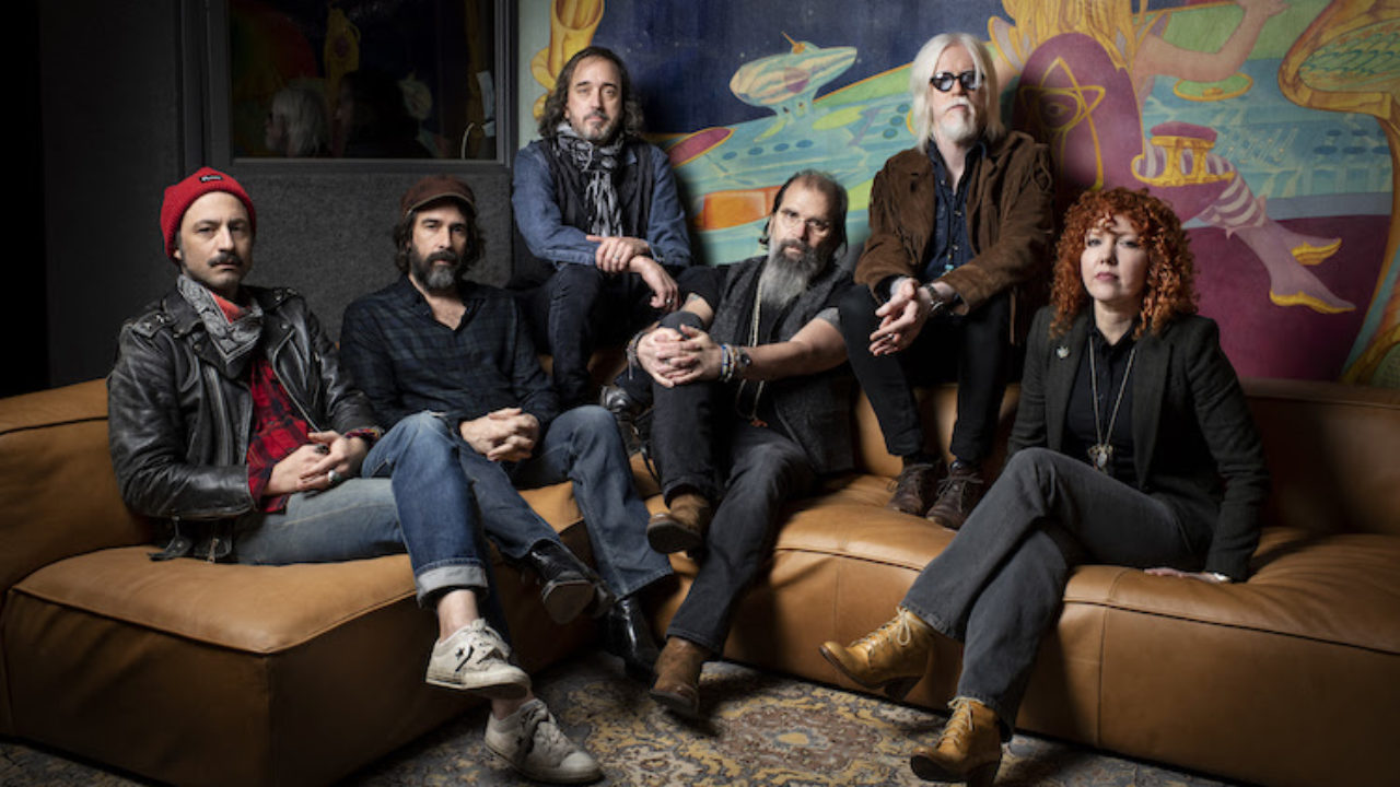 Real Roots Cafe: Steve Earle & The Dukes – J.T.