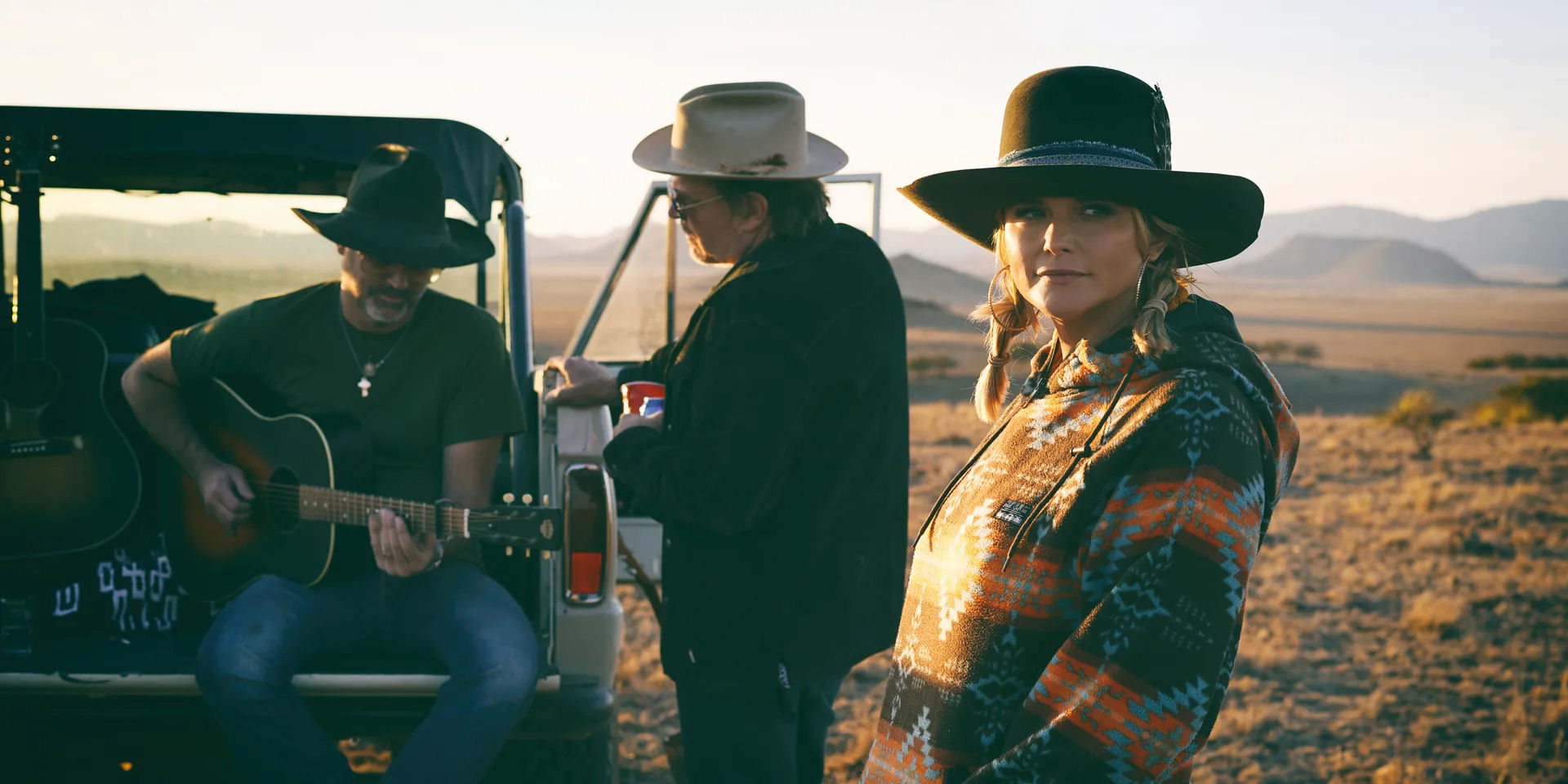 Real Roots Cafe: Jack Ingram, Miranda Lambert, Jon Randall – The Marfa Tapes