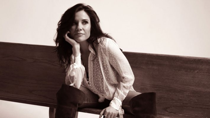 Real Roots Cafe: Shannon McNally – The Waylon Sessions